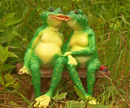 Фигурки лягушек для сада а своими руками