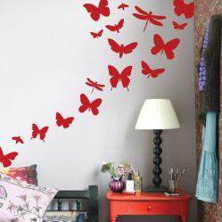 Декорирование стен наклейками и фотообоями